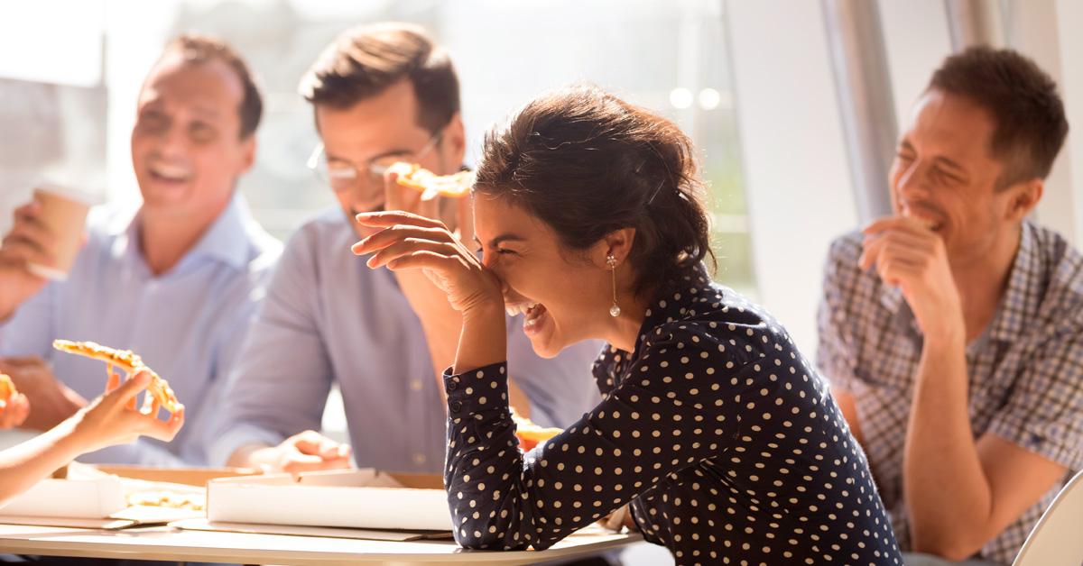 colaboradores em uma reunião de trabalho