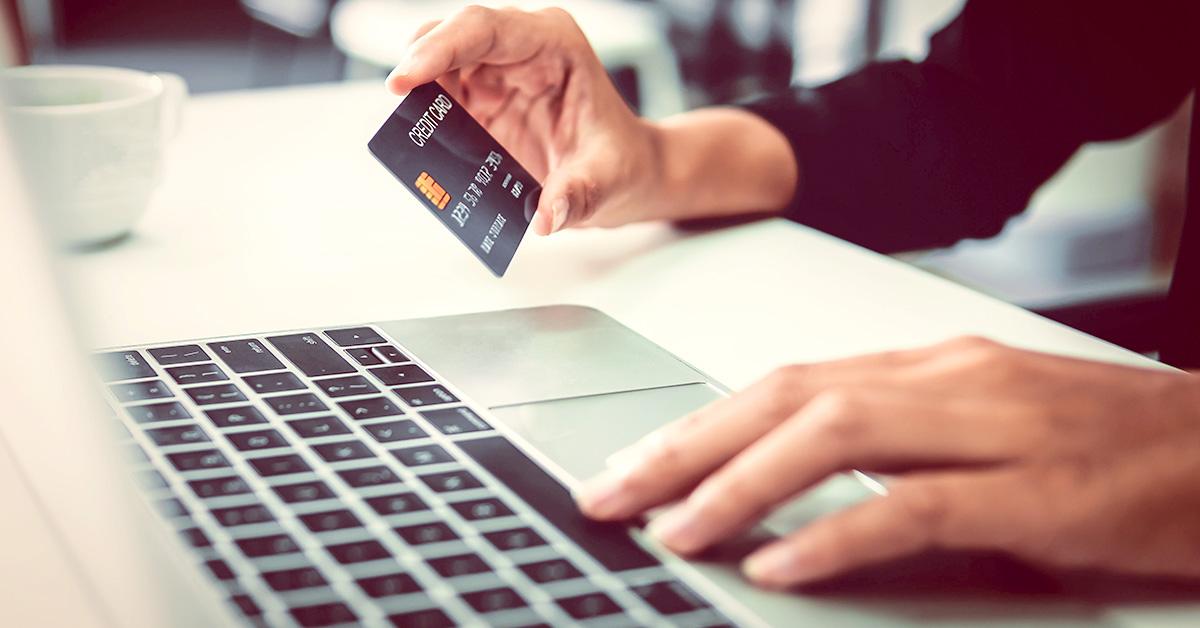 Usar o cheque especial e cartão de crédito pode prejudicar seu orçamento